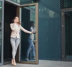 Drzwi aluminiowe Budvar Centrum MB 70 ikona
